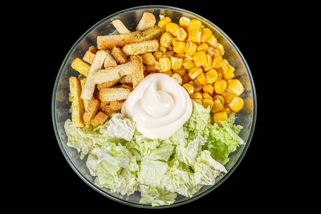 Top view of the bowl with the ingredients for the salad