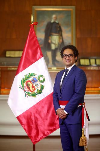 Fotografía Oficial del ministro de la Producción José Luis Chicoma