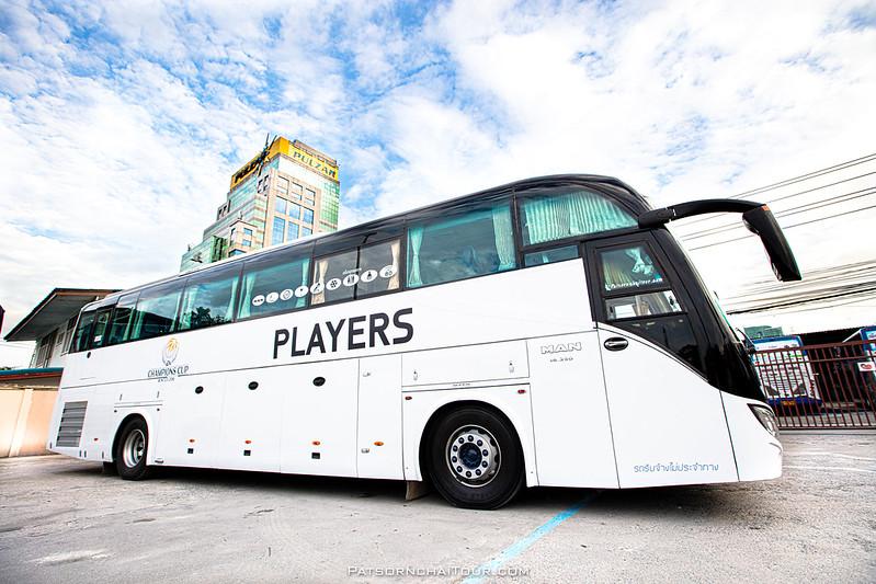 รถบัสเช่า MAN Patsornchai ให้บริการ EA Sport
