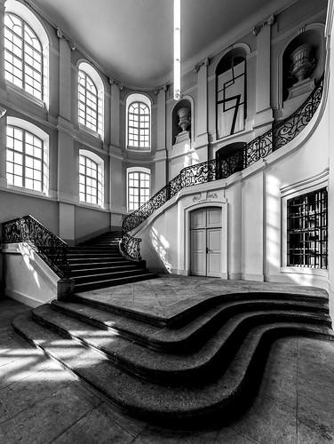 Steps, light and shadows