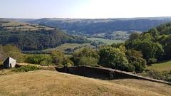 Vallée de Fontanges vue des remparts de Salers