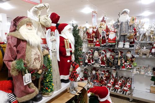 Home Goods, Christmas Decor 12-4-20 02
