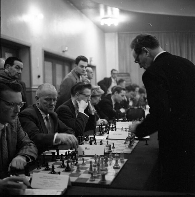 Photo:15-06 Oct 26 - Nov 15 1958 V&D simultaantoernee geleen?Mikhail Botvinnik 1 By blacque_jacques