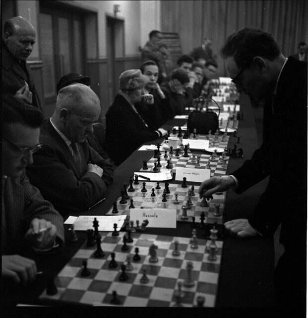 Photo:15-07 Oct 26 - Nov 15 1958 V&D simultaantoernee geleen?Mikhail Botvinnik 2 By blacque_jacques