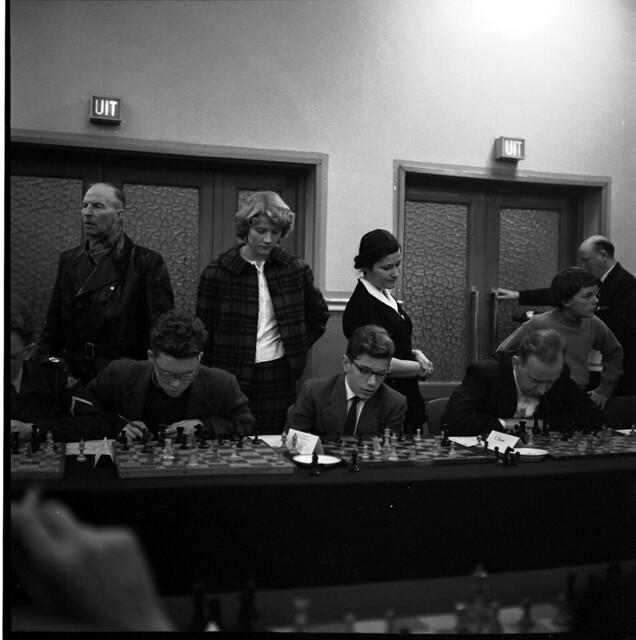 Photo:15-09 Oct 26 - Nov 15 1958 V&D simultaantoernee Geleen? boys-girlfriends By blacque_jacques