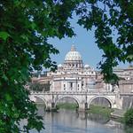 Una classica inquadratura della basilica di San Pietro - https://www.flickr.com/people/134205948@N02/