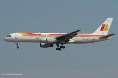 EC-HDU_B752_Iberia_-