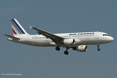 F-GHQA_A320_Air France_- - Photo of Fresnes