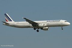 F-GMZC_A321_Air France_old cs - Photo of Grigny