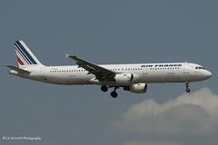 F-GMZA_A321_Air France_-