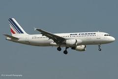 F-GHQC_A320_Air France_-