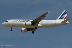 F-GKXB_A320_Air France_- - Photo of Charny