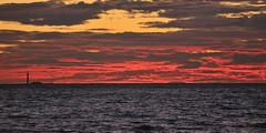 Coucher de soleil sur le phare du Planier