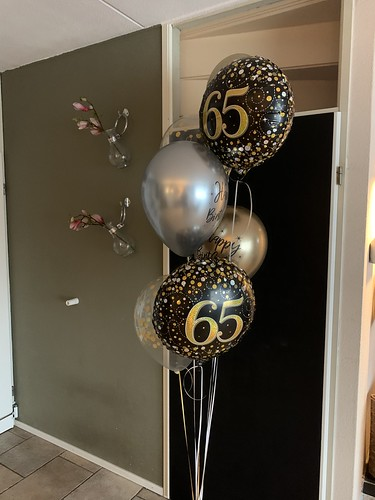 Ballonboeket Verjaardag 65 Jaar Zwart Goud Zilver