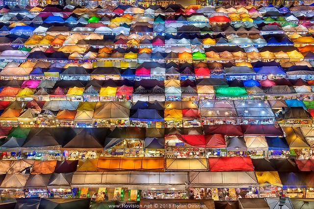 Bangkok night market - happy new year!