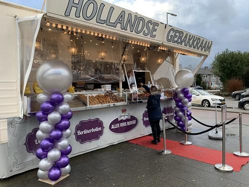 Ballonpilaar Breed Rond Oud en Nieuw Oliebollenkraam Ommoord Rotterdam