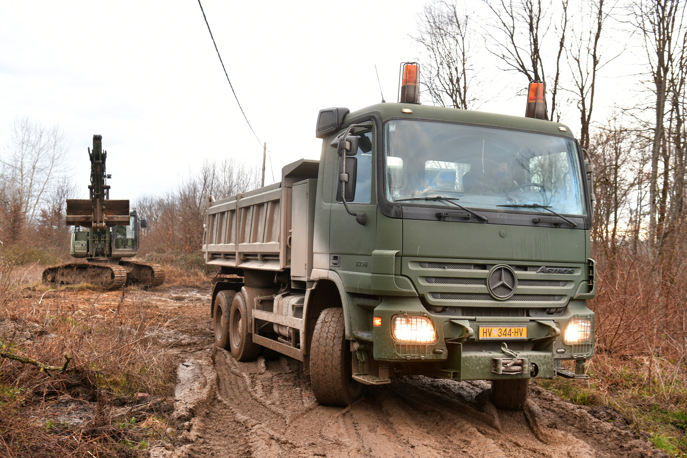 Pripadnici Hrvatske vojske i dalje pomažu na području Banovine