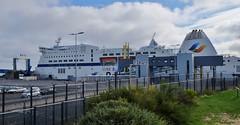 Ferry dans le port de Ouistreham