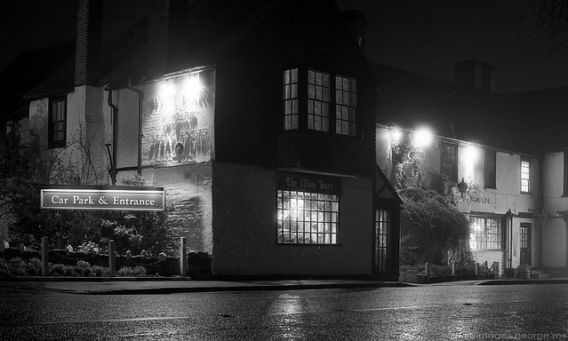 Photo:The White Hart / Night By Images George Rex