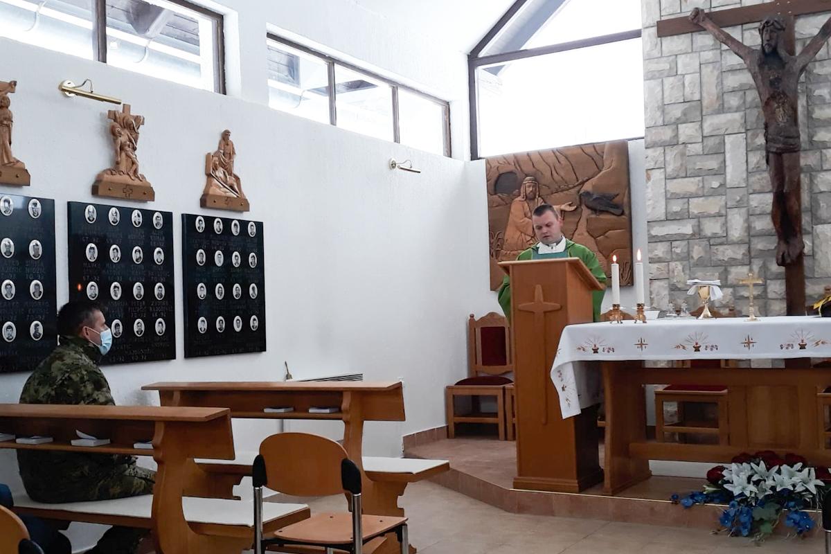 U vojarni u Petrinji organizirana dječja igraonica i duhovne obnove