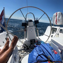 Bon temps #sailing #janxspirit ⛵️🌞😎