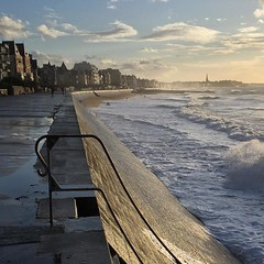 High Tide - Photo of Magny-les-Hameaux