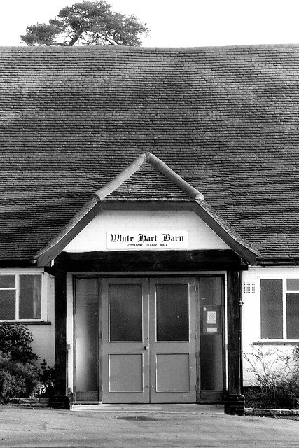 Photo:White Hart Barn / 1990 By Images George Rex