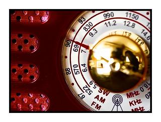 La ràdio, l'aparell que ens salva de la solitud.