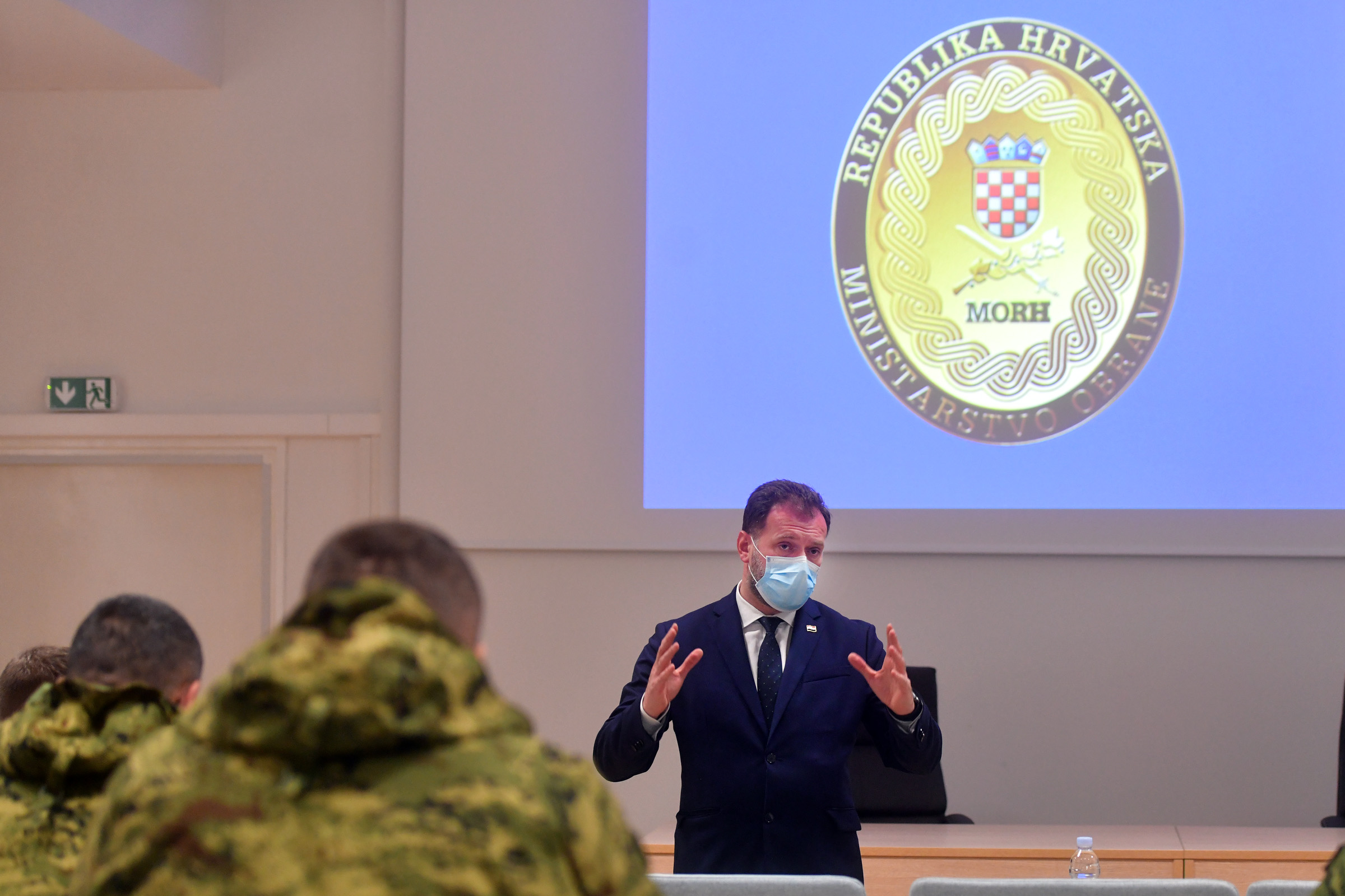 Ministar Banožić posjetio vojarnu