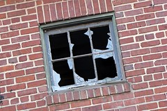 Broken windows at Lorton Reformatory [02]