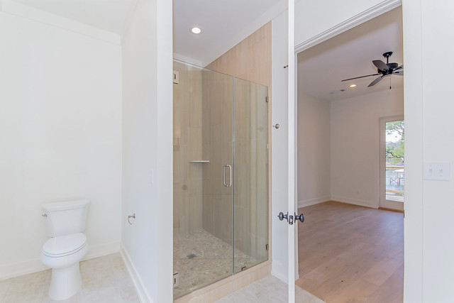 Photo:422 Pleasure Point Rd Master Bathroom By LakeMartinVoice