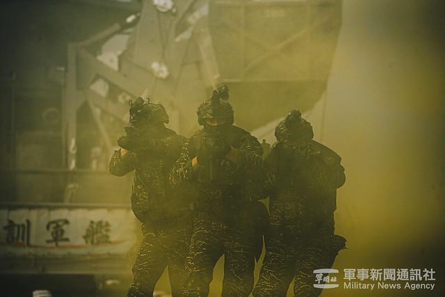 兩棲偵搜大隊春節戰備操演