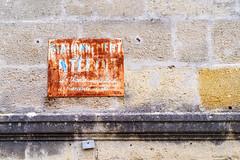 Stationnement interdit...