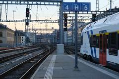 Train Léman Express @ Quai @ Gare de Genève-Cornavin @ Genève