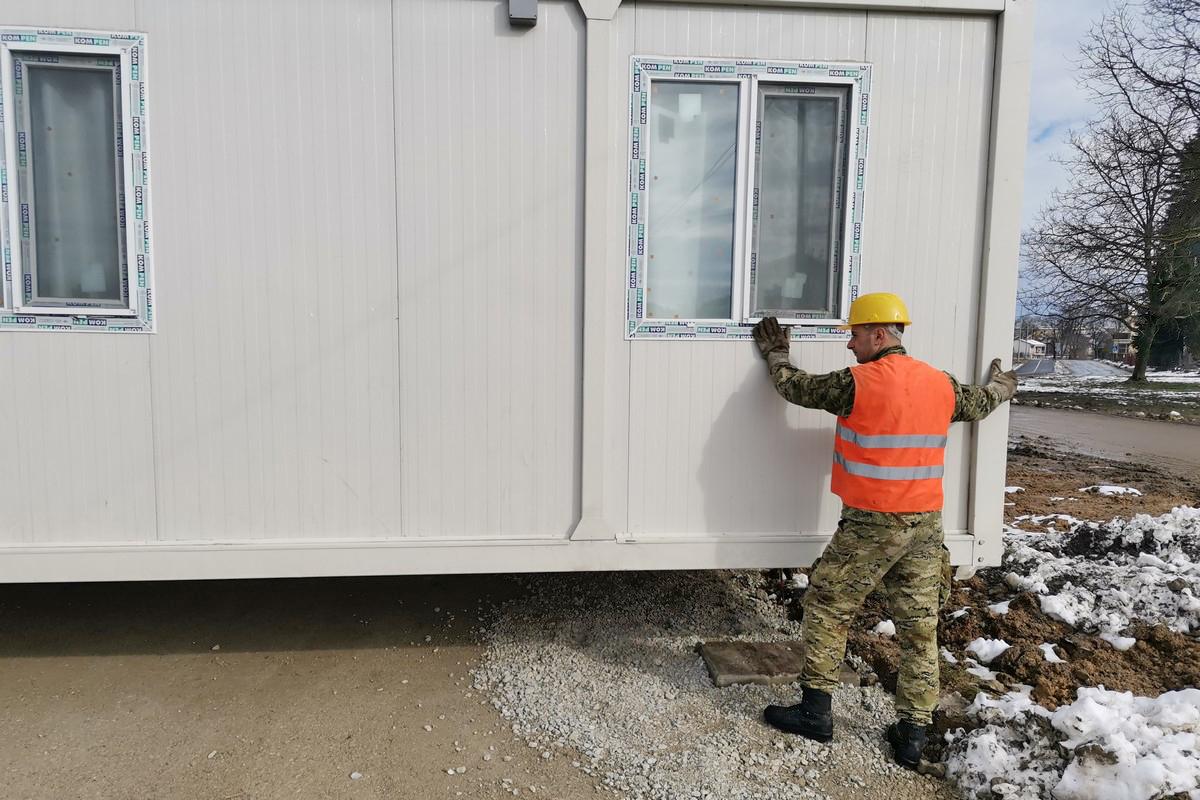 Hrvatska vojska sudjelovala u prijevozu kontejnera na Sajmište u Petrinji