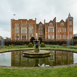 Hatfield House and Fountain by Rachel Dunsdon