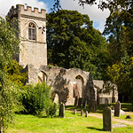 Approach to the old church, Ayot St Lawrence by Iain Houston