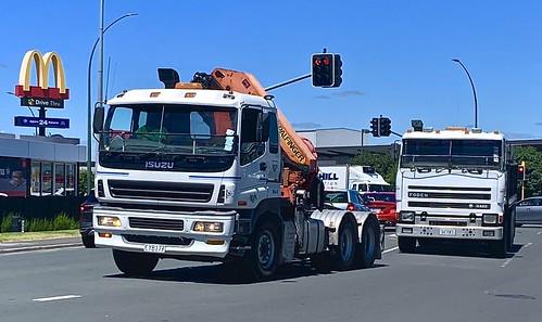 Heavy vehicle contrasts