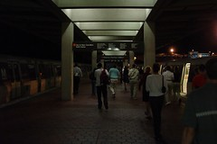 Passengers leaving Vienna/Fairfax-GMU station