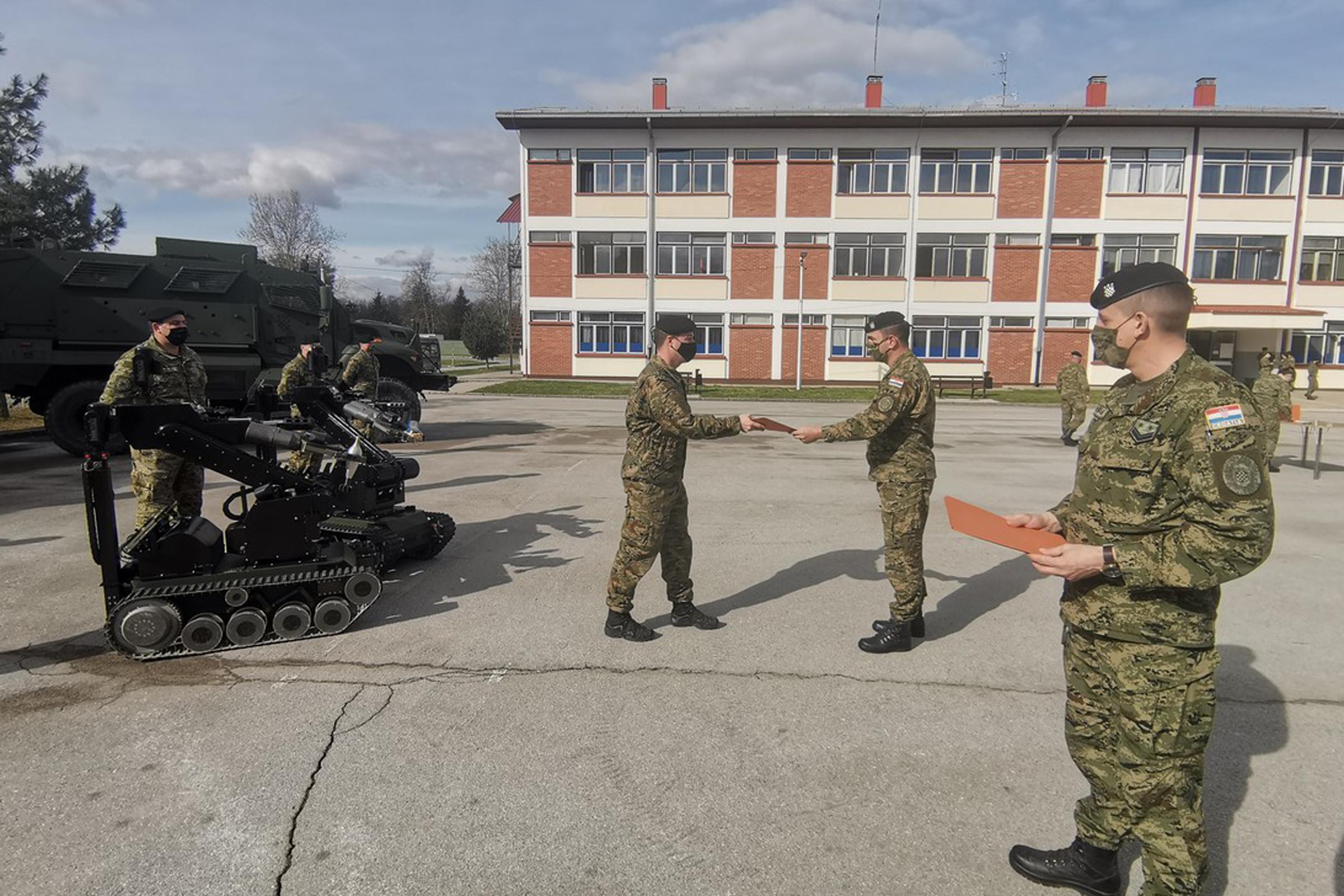 Završena obuka za rukovatelja robotom za protueksplozijsku zaštitu u Inženjerijskoj pukovniji