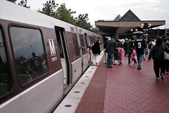 Train at Vienna/Fairfax-GMU station