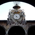 Ospedale di Santo Spirito in Sassia; Orologio con cappello cardinalizio nel Cortile del Palazzo del Commendatore - https://www.flickr.com/people/82911286@N03/