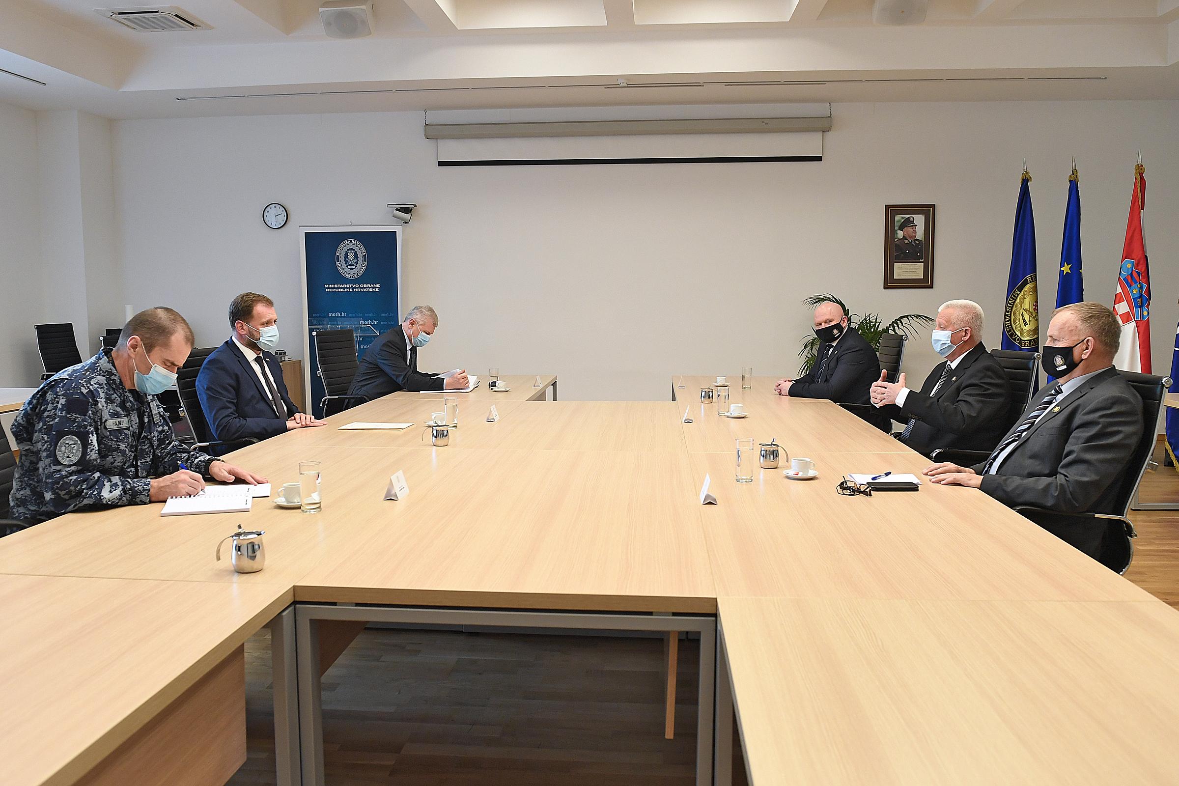 Ministar Banožić s izaslanstvom Hrvatskog generalskog zbora