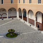 Il chiostro di San Pietro in Vincoli - https://www.flickr.com/people/134205948@N02/