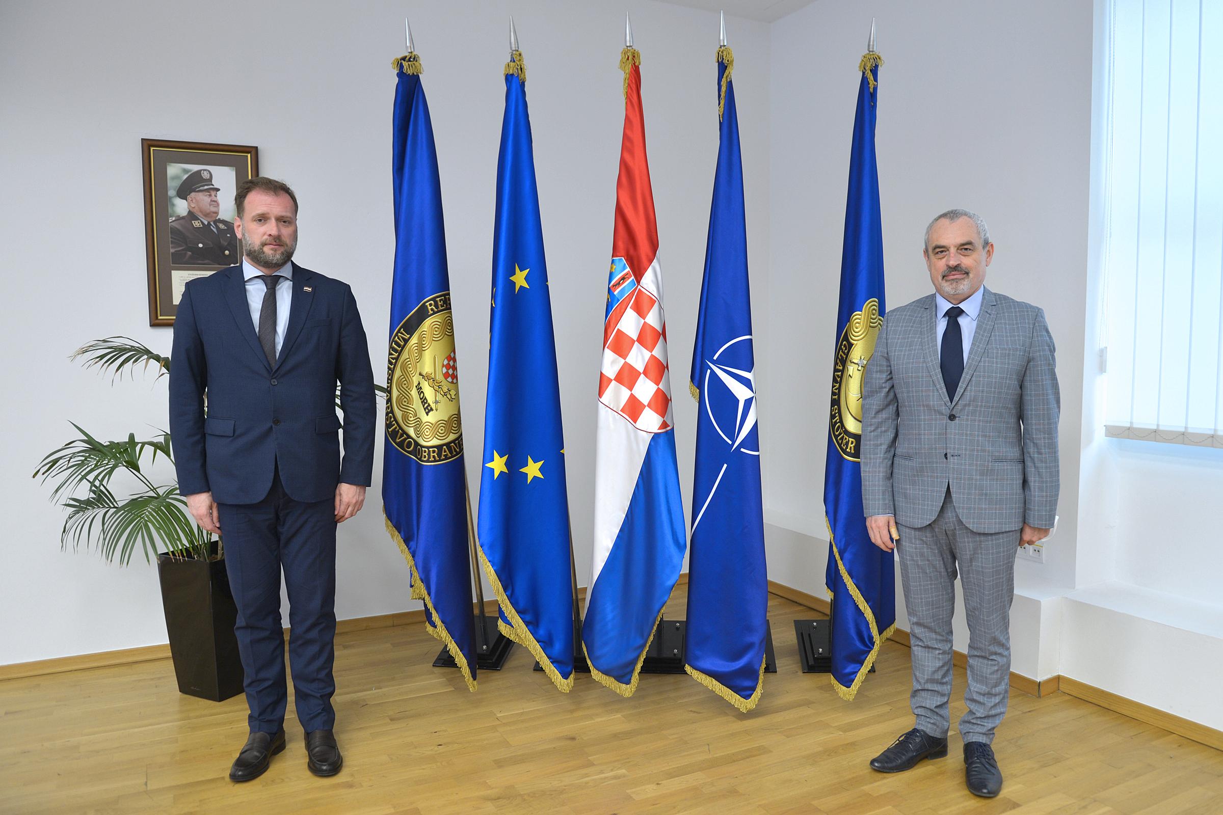 Ministar Banožić s veleposlanikom Slovačke Republike Suskom
