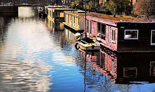 House Boat Living