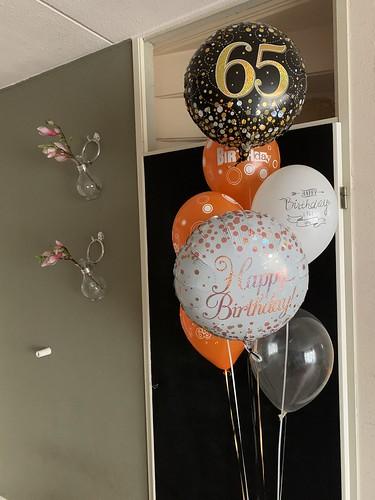 Ballonboeket Verjaardag 65 Jaar Oranje Zwart