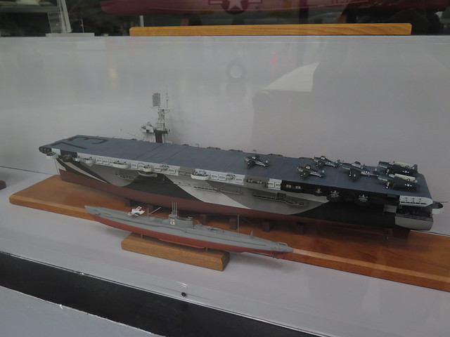 Photo:Japanese B-1 Class Aircraft Carrying Submarine I-19 and USS Gambier Bay Models By rocbolt