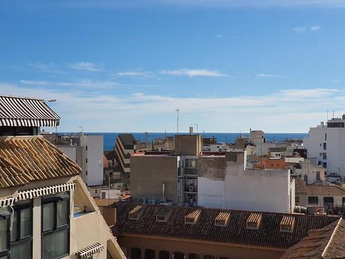 vistas fabulosas al mar, muy soleado, en pleno centro. Solicite más información a su inmobiliaria de confianza en Benidorm  www.inmobiliariabenidorm.com
