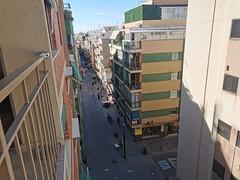 Vivienda muy soleada, situada en pleno centro de Benidorm. Solicite más información a su inmobiliaria de confianza en Benidorm  www.inmobiliariabenidorm.com